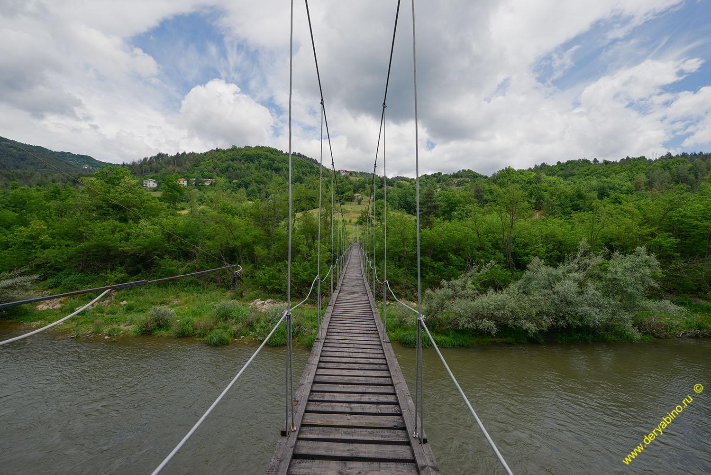 Висячий мост у села Вехтино