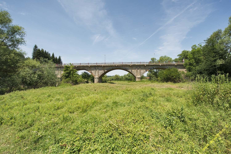 Каменный мост у села Алген