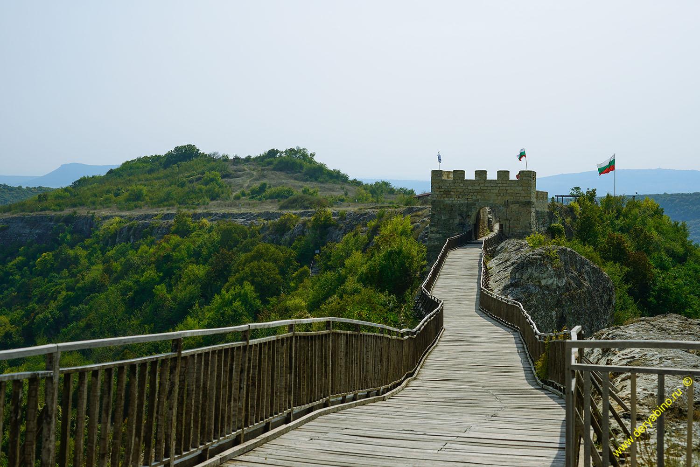 Пешеходный мост в крепости Овеч (г.Провадия)