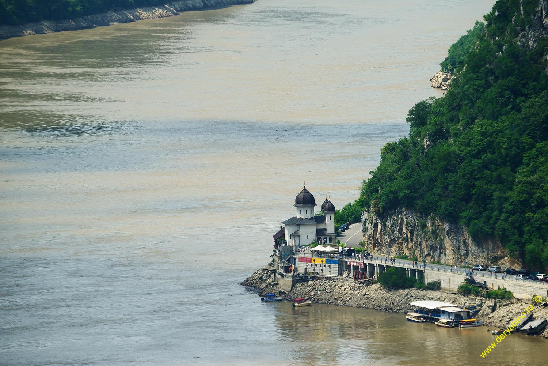 Mraconia Monastery в 'Железных воротах'